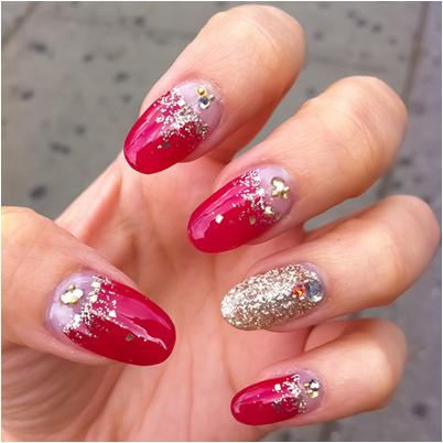 Glitter Nail Art for Summer Manicure