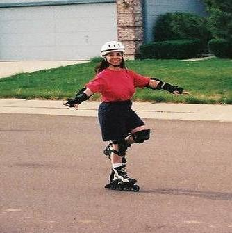do a one-footed glide on rollerblades