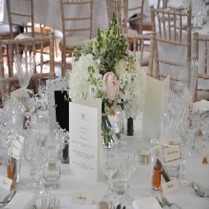 Lay a Wedding Table