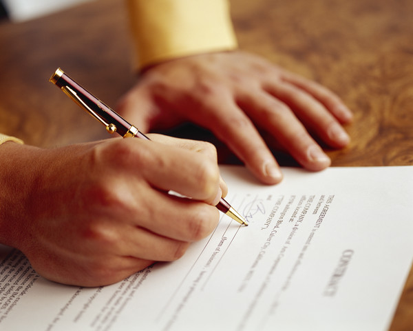Protect Yourself When Signing a Lease
