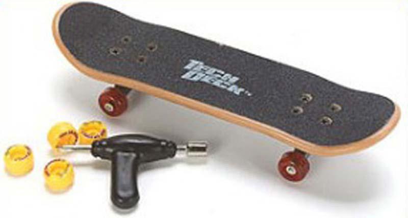 How to ride a tech deck skateboard - Tech deck finger skateboards ...