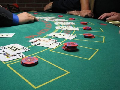How to Save Money While at a Casino