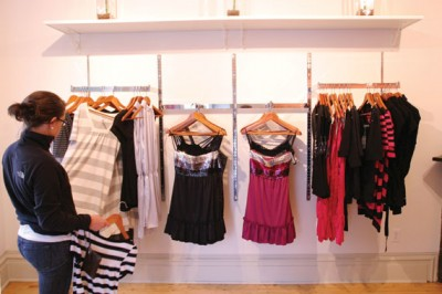 How to Start a Ladies Clothing Store