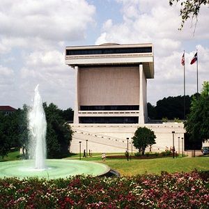 How to Visit the Lyndon B. Johnson Library