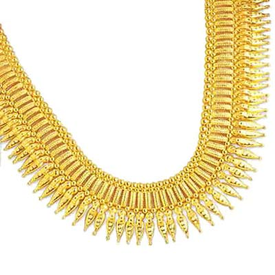 Latest Trends in Gold Necklaces