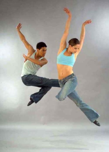 The difference between lyrical dance and ballet