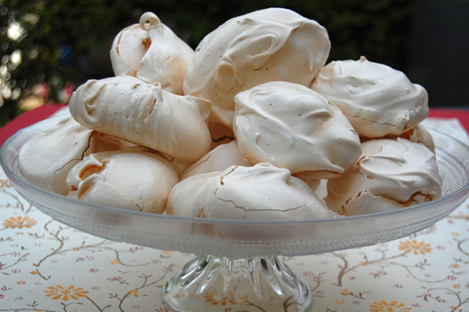 Difference between Meringue and Pavlova