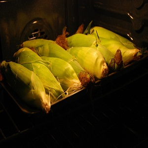 How to Bake Ears of Corn in the Oven