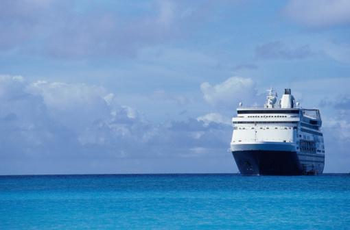 Booking a Cruise on Lake Austin