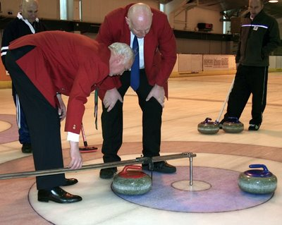Curling Measuring Device