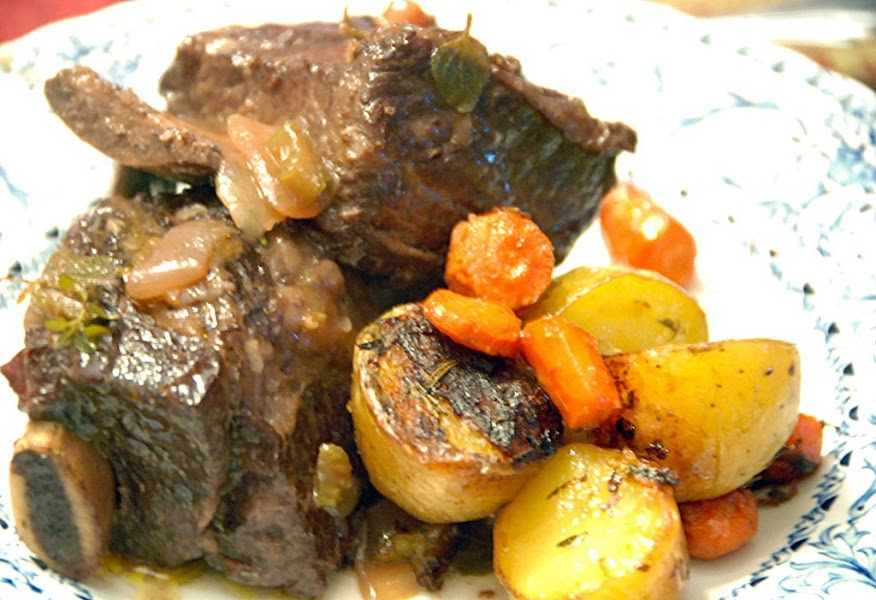 Onion Short Ribs Braised in Wine Recipe