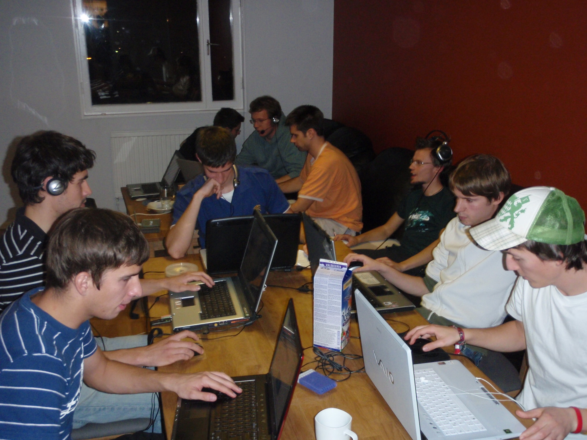 How to Host a LAN Party on an Extreme Budget
