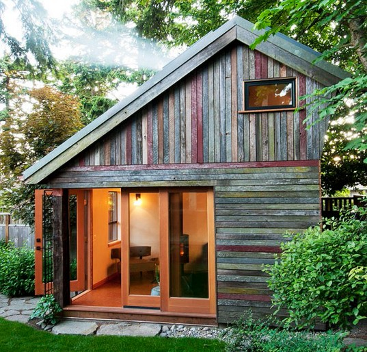 Phenomenal How To Make A Mini House In The Backyard Largest Home Design Picture Inspirations Pitcheantrous