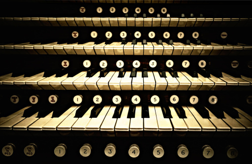 How to Play the Organ