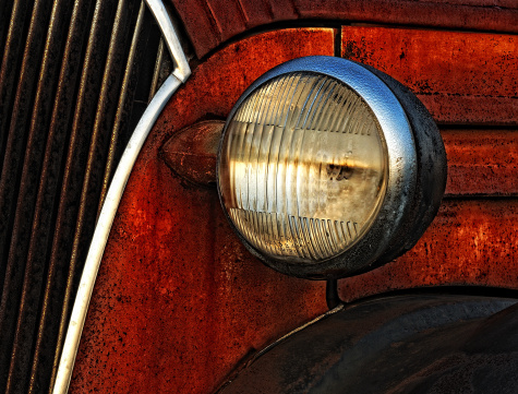 How to Remove Oxidation From Oxidized Plastic Headlights