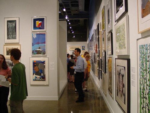Write about art exhibitions