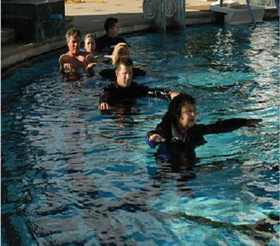 Tai chi neck floats in pool