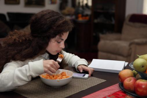 EATING DIGITALLY