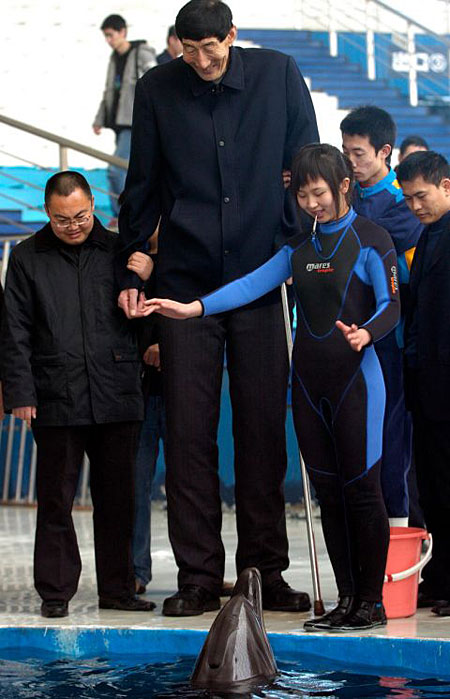 Top 10 Tallest People on Earth Alive
