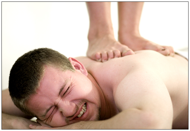 how to give a deep tissue massage