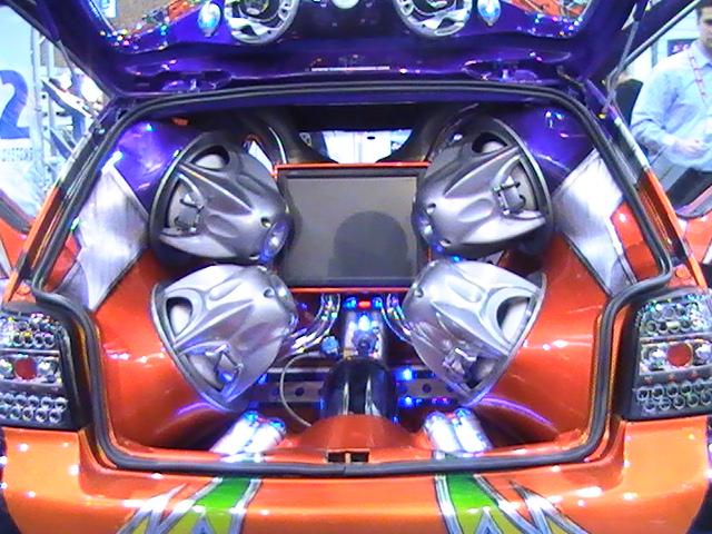 Hi-fi Car Stereo System