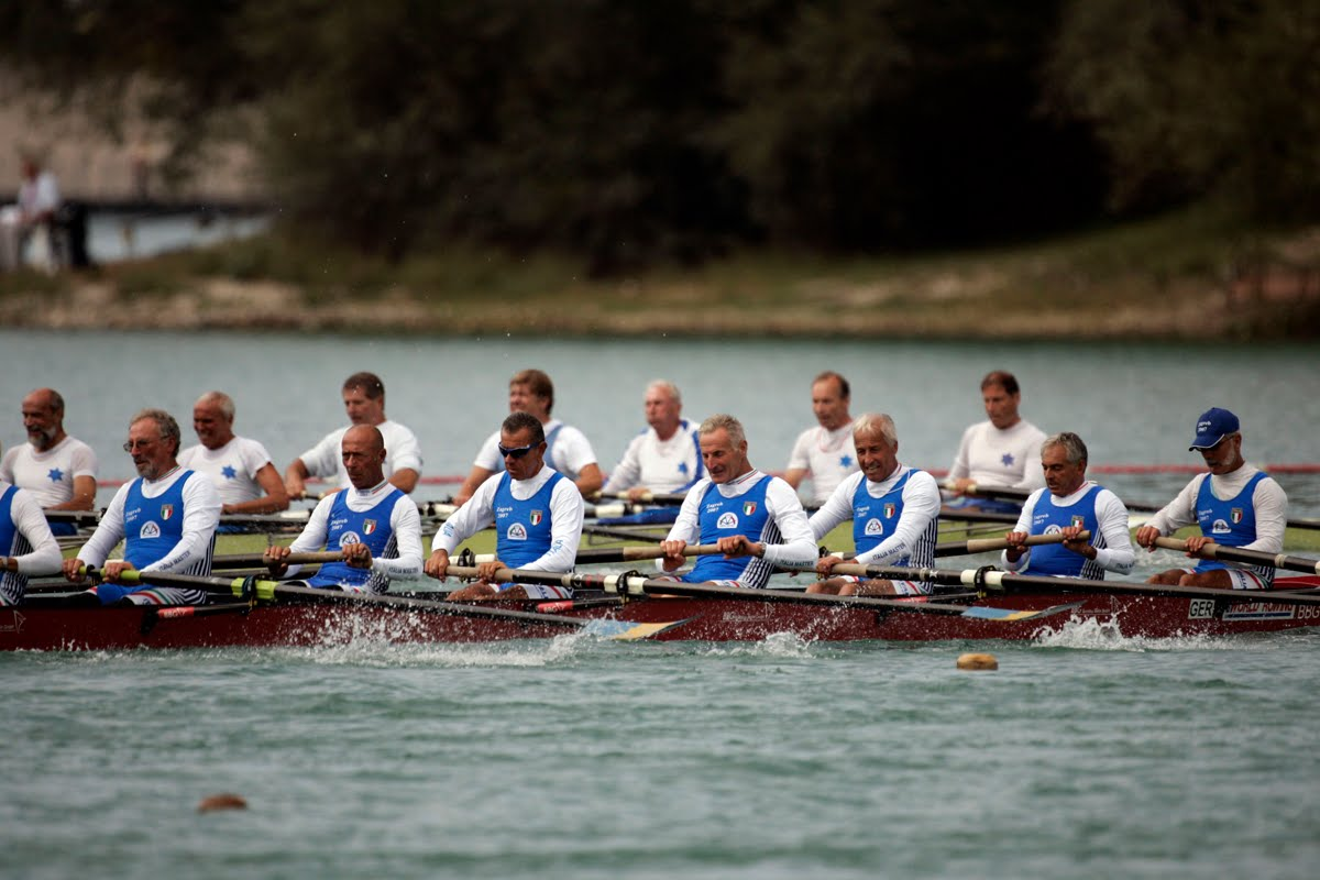 Enter the World Rowing Masters Regatta