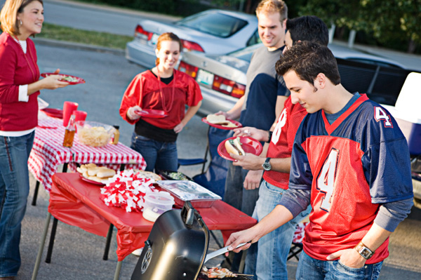 Tips to Host an NHL Playoff Tailgate Party
