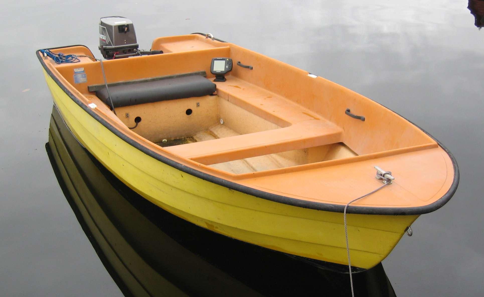 Position Zinc Plates on Boats