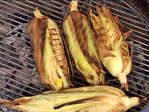 More Fruits and Vegetables to Your Diet How to Grill Corn on the Cob ...