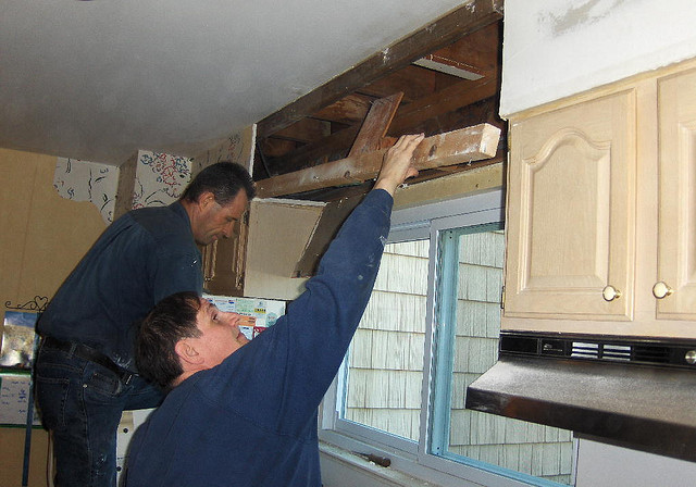Removing soffits