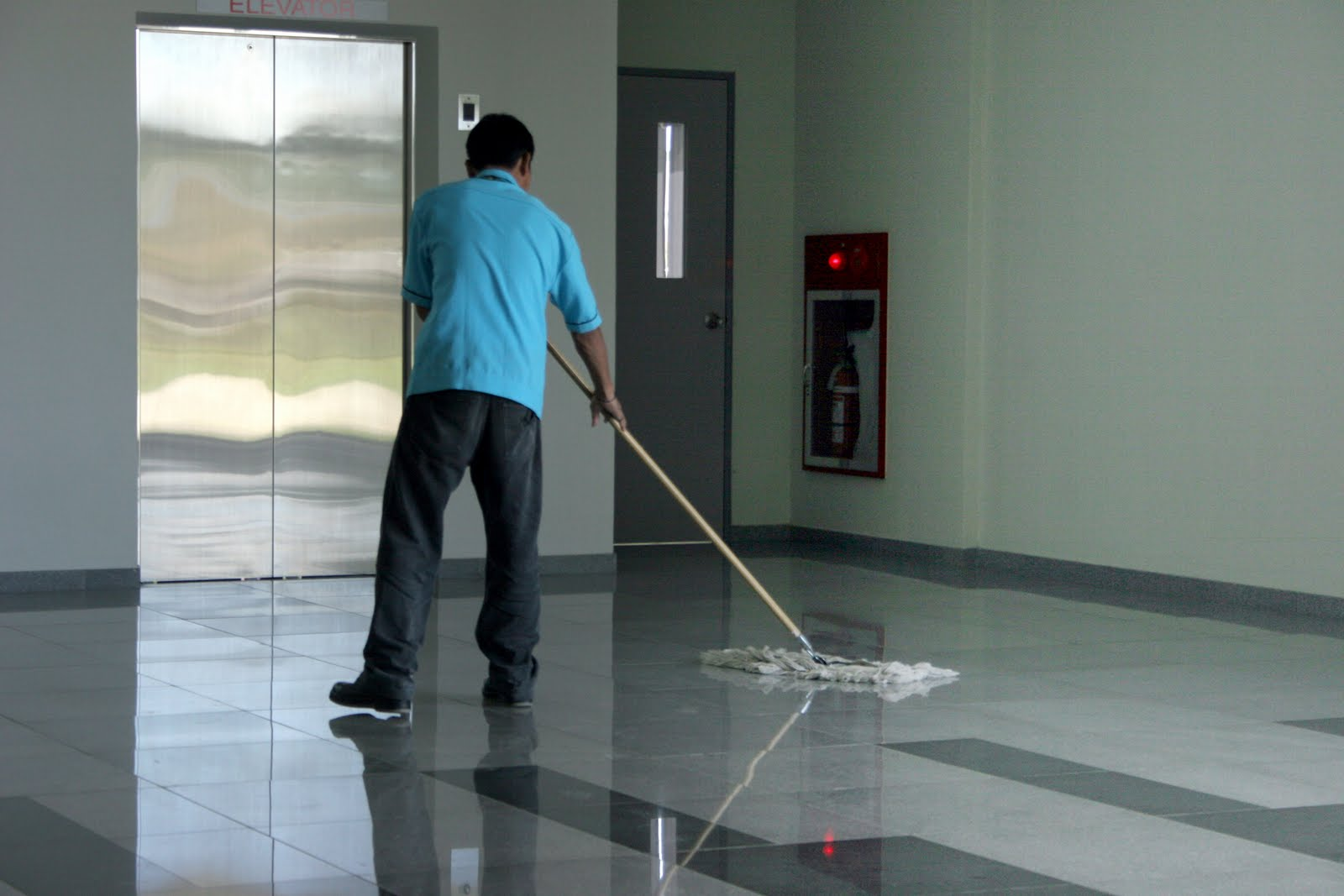 How to Clean Your House in 10 Minutes