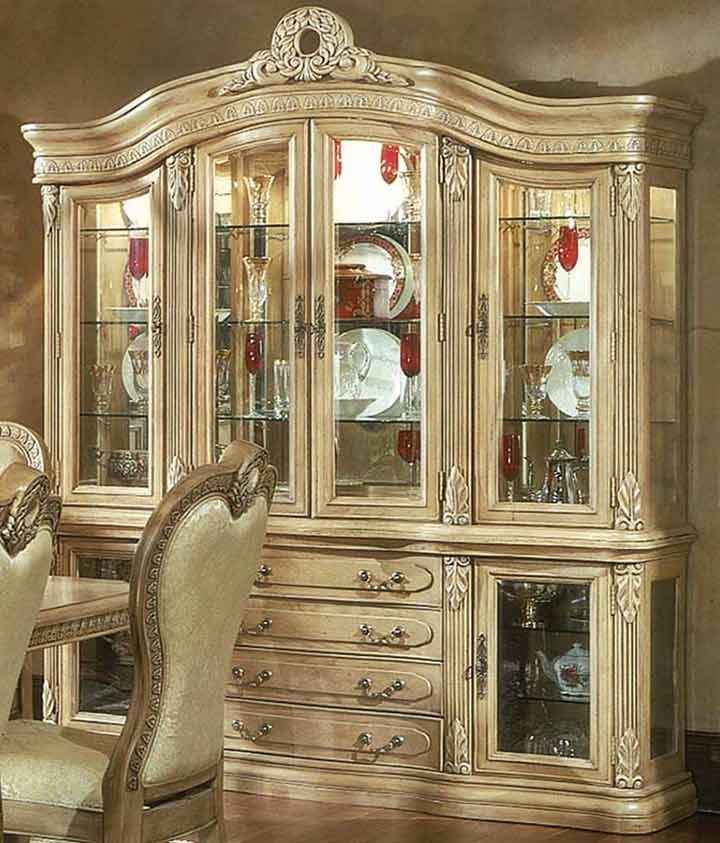 How to Display Items in a China Cabinet : How to Display Items in a China Cabinet from www.stepbystep.com size 720 x 843 jpeg 63kB