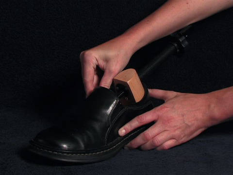 Stretching Shoes