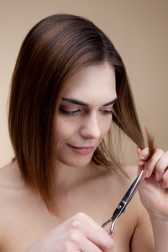 Cut Your Own Hair at Home Yourself Using This Guide