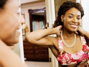 black-woman-in-mirror-pf