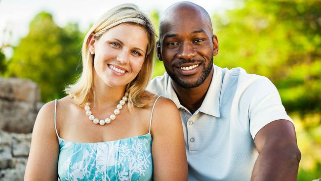 american woman dating nigerian man Why do many an african man behave depending on the race of the woman he many african men will even use christianity to justify a lot of the undesirable.
