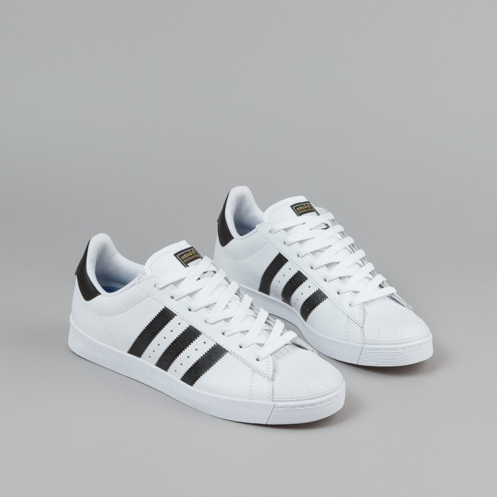 Adidas Originals Superstar Shell Toes Size 11 Black And White. Soft