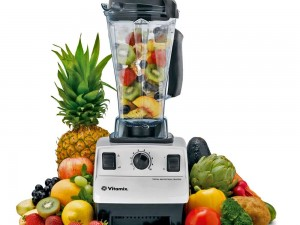 juicing-with-a-blender