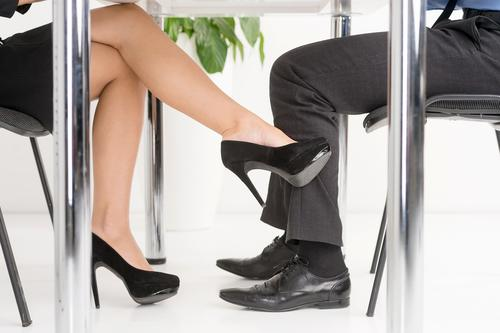Steps To Handle An Office Romance